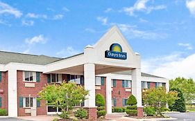 Days Inn & Suites By Wyndham Siler City photos Exterior