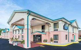 Days Inn Panama City Callaway