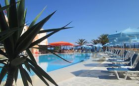 Ninos on The Beach Hotel Roda