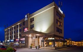 Best Western Voyageur Place Hotel Newmarket On