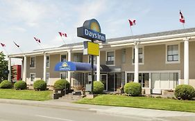 Days Inn By Wyndham Vancouver Metro photos Exterior