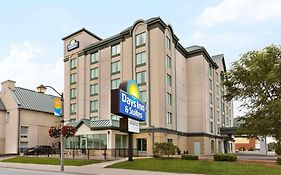 Days Inn And Suites by The Falls