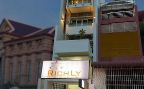 Richly Boutique Hotel & Hostel