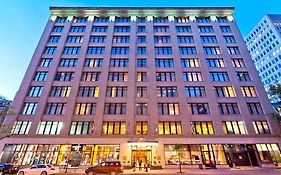Le Square Phillips Hotel And Suites Montreal