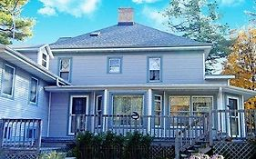 The Sawyer House Bed & Breakfast Bed & Breakfast Sturgeon Bay