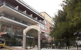 Hotel Les Amis Athens