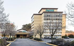 Clarion Inn And Suites Hampton Va