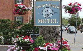 Town And Beach Motel Falmouth