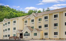Microtel Bryson City