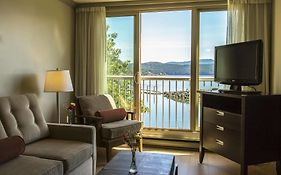Oceanfront Resort Cowichan Bay