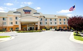 Fairfield Inn And Suites Winchester 2*