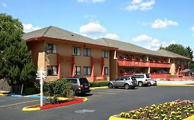 Howard Johnson Portland Airport Hotel