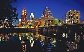 Radisson Hotel And Suites Austin