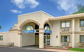 Days Inn Bloomington West 2*