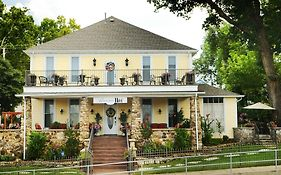 The Branson Hotel Bed & Breakfast