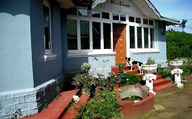 Old English Colonial Bungalow photos Exterior