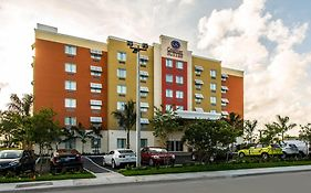 Comfort Suites Airport And Cruise Port