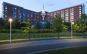 Hilton Hotel Logan Airport Park And Fly 4*