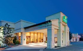 La Quinta Inn And Suites Fairfield Nj