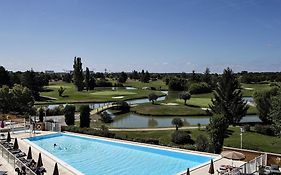 Hotel Mercure Golf de Seilh