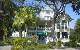 River Lily Inn Bed And Breakfast Daytona Beach