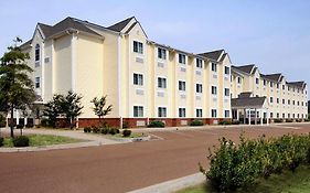 Microtel Inn & Suites by Wyndham Tunica Resorts Robinsonville Ms
