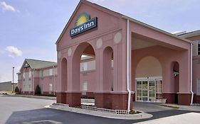 Days Inn And Suites Huntsville Al