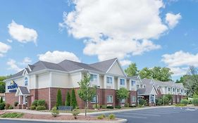 Microtel Inn & Suites by Wyndham Chili Rochester Airport