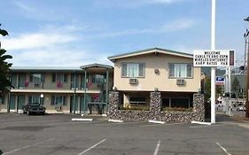 The Knights Inn Motel