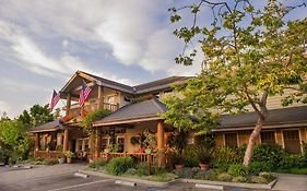 Cambria Pines Lodge Deals