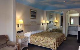 Camelot Inn And Suites Mccarty