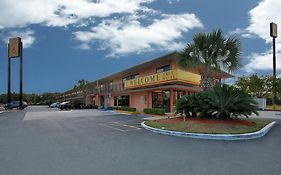Super 6 Motel Pensacola Florida