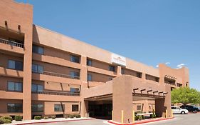Hawthorn Suites By Wyndham Albuquerque 3*
