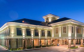 Town & Country Inn & Suites Charleston