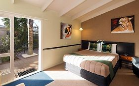 Malfroy Motor Lodge Rotorua Accommodation And Mineral Pool