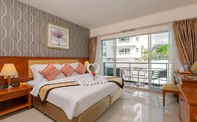 The Golden Ville Boutique Hotel Pattaya 3*
