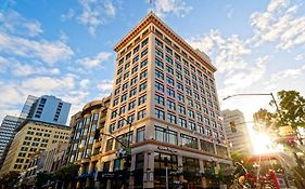 Gaslamp Plaza Suites Review