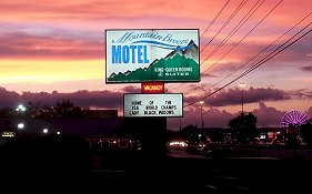 Mountain Breeze Motel Pigeon Forge Tennessee
