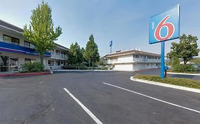 Motel 6 Mount Shasta