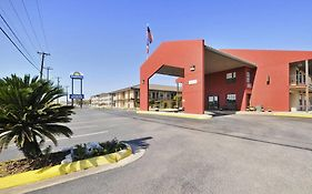 Days Inn Near Seaworld San Antonio