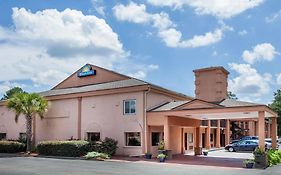 Days Inn And Suites Columbia Sc