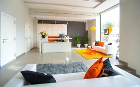 Ona Living Barcelona Apartment
