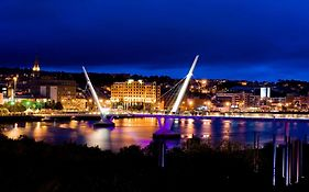 City Hotel Derry Reviews