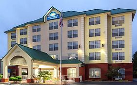 Days Inn And Suites Tucker/northlake
