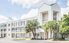 Baymont Inn & Suites Wilmington North Carolina
