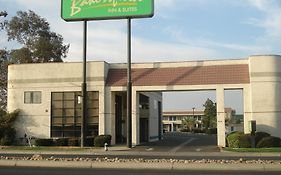 Bakersfield Inn And Suites