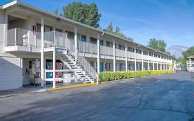 Bishop ca Motel 6
