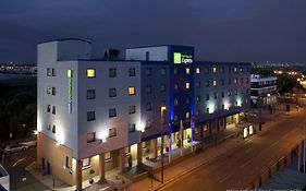 Holiday Inn Express Park Royal