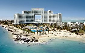 Hotel Riu Peninsula Palace Cancun