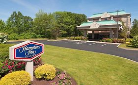Hampton Inn Hartford Airport 2*